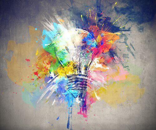 En lyspære og mange farger