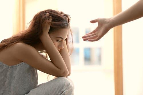 Hvorfor har noen problemer med å be om hjelp?