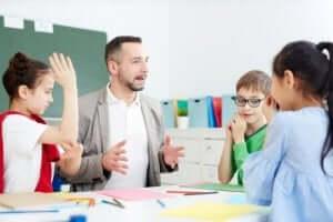Å oppmuntre studenter til å delta kan bidra til å trekke fra golem-effekten.