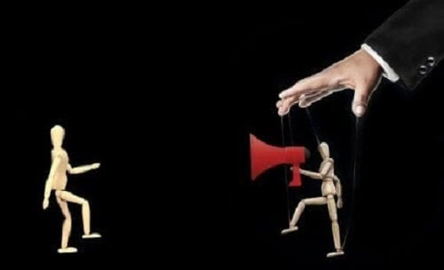 Rammeteori og manipulasjon i media