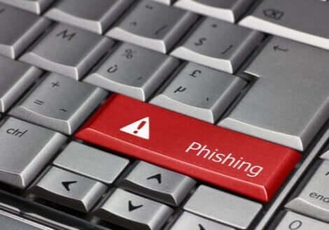 Et tastatur med en phishing-nøkkel.