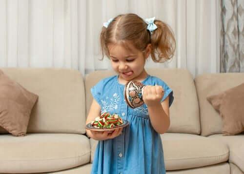 Fruktgodteriutfordringen: Innpoding av selvkontroll hos barn