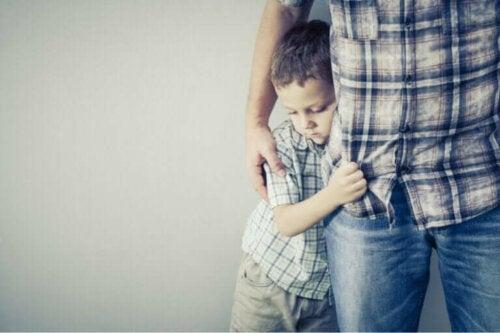 Hvordan du bør handle når barnet ditt er redd