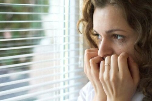 Les alt om symptomene på agorafobi