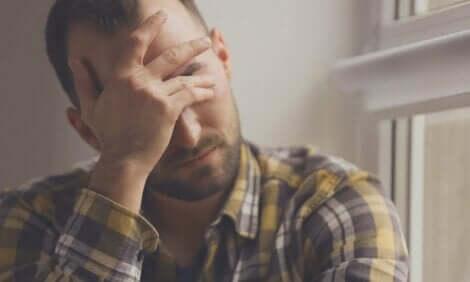En stresset mann.
