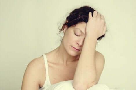 En kvinne som er sliten