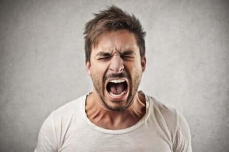 En skrikende fyr med en impulskontrollforstyrrelse.