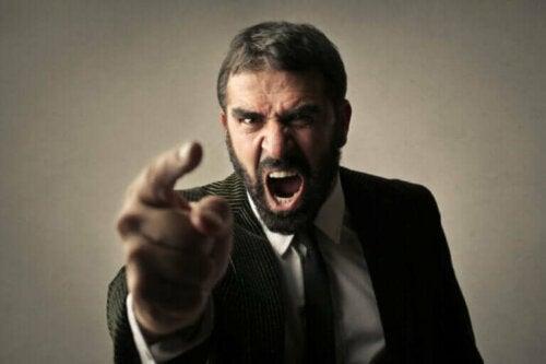 Hva betyr det å ha en impulskontrollforstyrrelse?