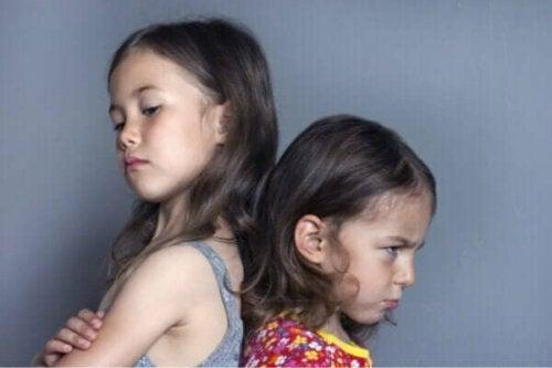 Konsekvensene av å ignorere sjalusi hos barn