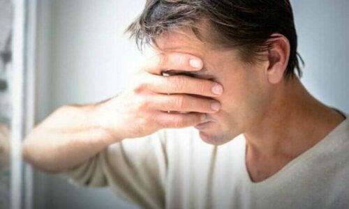 Forholdet mellom følelser og fysisk smerte