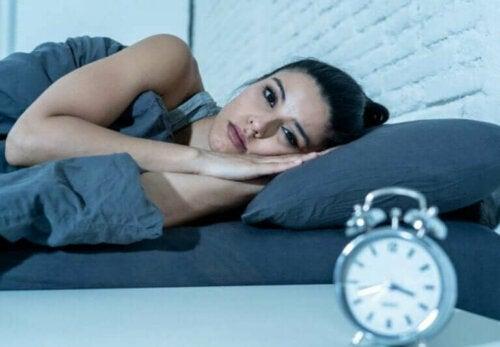 Forstyrret søvn er farligere enn å ikke få nok