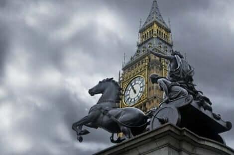 Foto av London og statuen av Boudicca