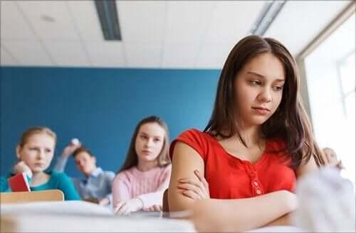Barn i en klasse.