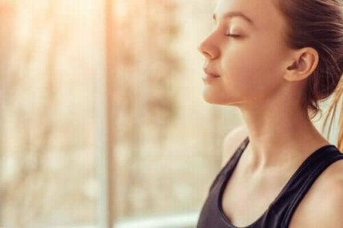 Den emosjonelle selvkontrollen over angst