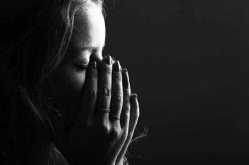 En person som gråter.