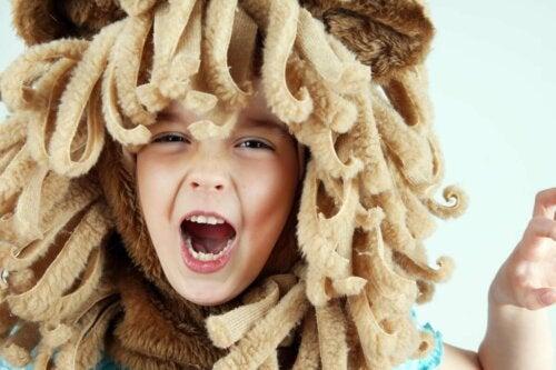Et barn som løve.