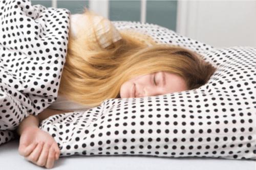 Tenåringer og søvn: Hvorfor trenger de så mye av det?