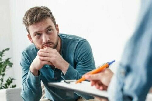 Vanskeligheten med å ta beslutningen om å se en psykolog