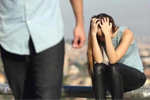 En kvinne som spurte seg selv hvorfor forlot de meg?