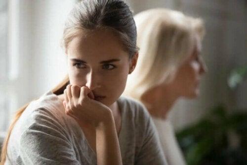 Foreldre som tåkelegger og emosjonell manipulasjon