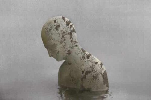 En statue i vann.