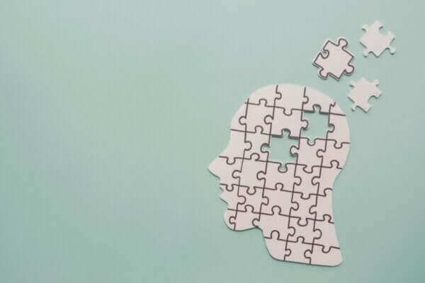 9 forskjeller mellom Alzheimer og frontotemporal demens