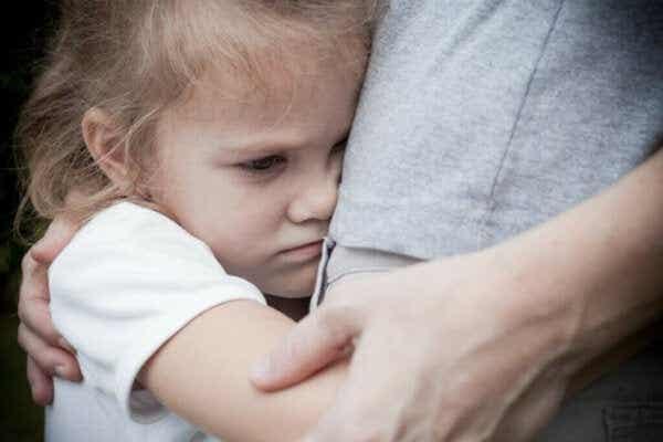 Karakteristikkene til bortskjemte barn og hvordan man setter grenser for dem