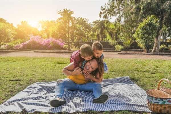 Hvordan beskytte barna dine mot håpløshet