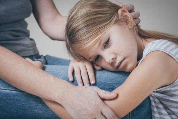 17 tegn som tyder på at barnet ditt er ulykkelig