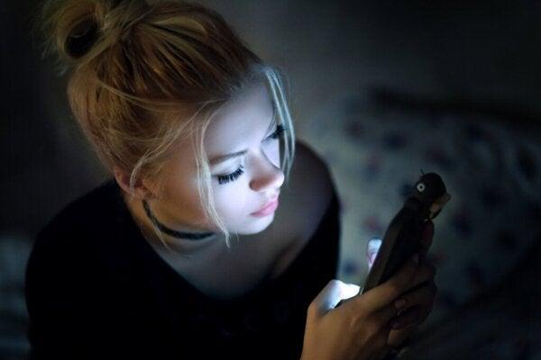 Sosiale medier lindrer ikke kjedsomhet ifølge vitenskap