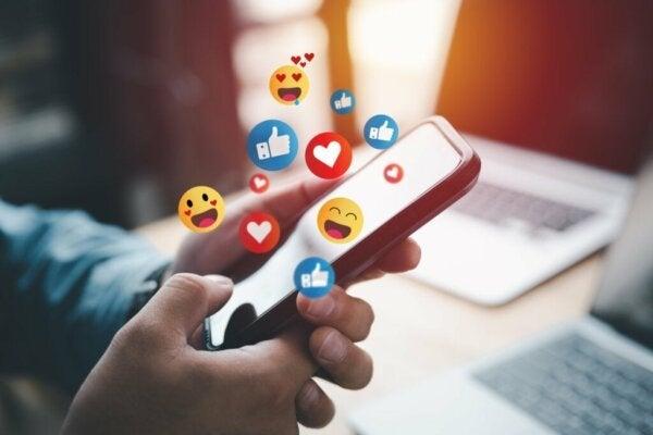 Syv fordeler med å logge av fra sosiale medier en stund